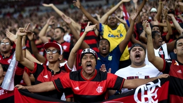 Un fan al lui Flamengo a uimit întreaga lume! Şi-a tatuat tricoul echipei pe corp. Foto