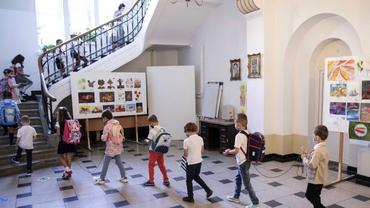 Şcolile din Bucureşti vor fi închise timp de patru zile în contextul alegerilor locale. Ce se întâmplă în unităţile de învăţământ din ţară