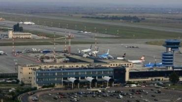 Aterizare de URGENŢĂ pe aeroportul Otopeni. O pasageră a făcut ATAC DE CORD