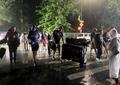Furtuna tropicală Henri face ravagii în SUA. Drumuri inundate, poduri închise și 100.000 de case fără curent. Video