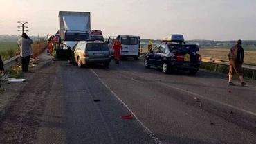 Accident rutier grav în Brașov, cu patru mașini implicate. Trei oameni au fost răniți