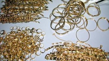 Recompensă de 1 milion de euro pentru bijuteriile furate la Cannes