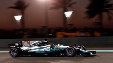 Lewis Hamilton a câştigat ultima etapă din Formula 1! Podiumul a fost completat de Vettel şi Verstappen