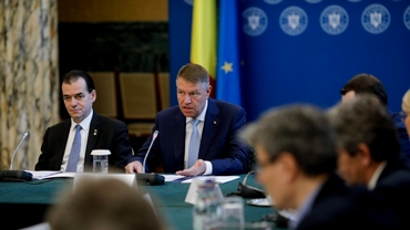 Klaus Iohannis a promulgat legea privind vehiculele fără stăpân. Mașinile abandonate, ridicate mai rapid de pe drumurile publice