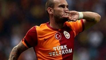 VIDEO / Sneijder, goluri DE SENZAŢIE cu Fenerbahce!