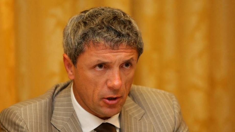 Un nou adversar pentru Popescu la şefia FRF! A stat ASCUNS toată campania şi acum vrea să dea LOVITURA!