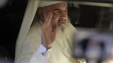 Ce avere are Patriarhul Daniel, cel care conduce BOR! Suma uriașă pe care o ia lunar