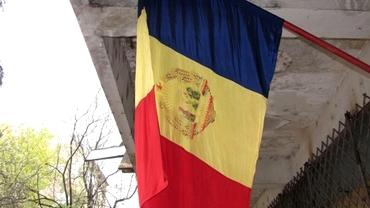 GAFĂ de Ziua Naţională a României. DRAPELUL comunist, arborat de o instituţie publică