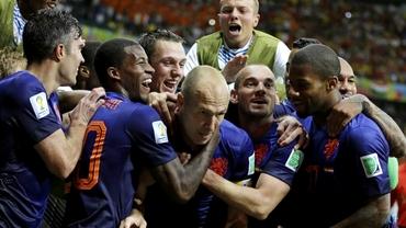 Van Gaal face COLONIE de olandezi la United! TRANSFER de ultimă ORĂ!
