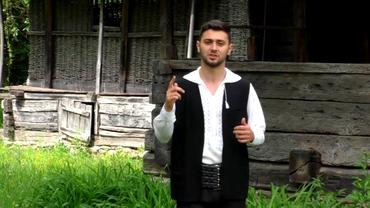 Un fost jucător de la Pandurii s-a lăsat de fotbal şi s-a apucat de cântat: