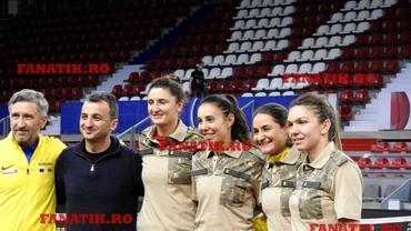 Cadouri din Afganistan pentru echipa României! Halep, în echipament de militar. Galerie foto