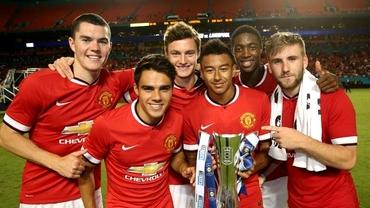Louis van Gaal a cîştigat primul trofeu la United!