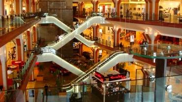 Sinucidere într-un mall din Timișoara. Un bărbat s-a aruncat în gol