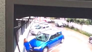 Caz şocant în Ilfov! O femeie a înjunghiat un copil şi a vrut să îi dea foc