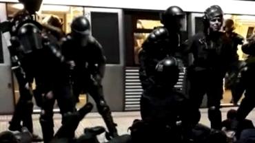Ultrașii Sud Steaua, linșați de jandarmi la metrou! Incidente grave înainte de meciul cu Dinamo B din Liga 3. Reacția ministrului de Interne. Video exclusiv