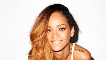 Rihanna a pozat topless pentru Brazilia: