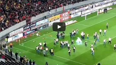 Deciziile Jandarmeriei după incidentele de la finalul meciului FCSB - Dinamo! 10 suporteri, interziși pe stadioane. Vicecampioana a fost amendată