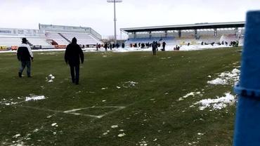 FC Voluntari - FCSB se joacă! Gazdele s-au mobilizat şi au curăţat terenul de zăpadă. FOTO