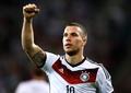 Lukas Podolski renunță la ghete pentru patine. Pariul nebun pentru care germanul se apucă de hochei