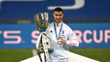 Cristiano Ronaldo, doar pe locul 9 în clasamentul trofeelor. Cum stă Messi și cine conduce topul