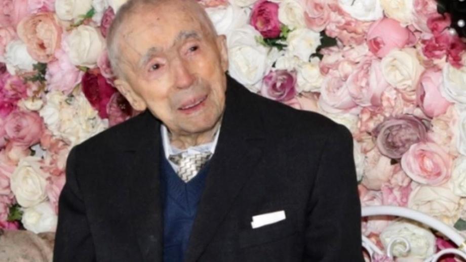 """Românul Dumitru Comănescu este cel mai bătrân bărbat din lume, la 111 ani și 202 de zile! Ce mănâncă românul și care e """"secretul"""" vârstei"""