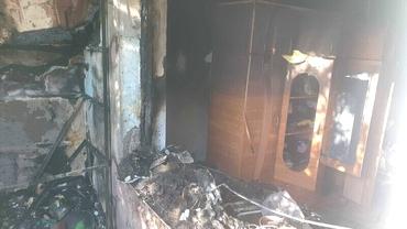 La un pas de tragedie în Galați! Apartament făcut scrum de la o lumânare uitată aprinsă