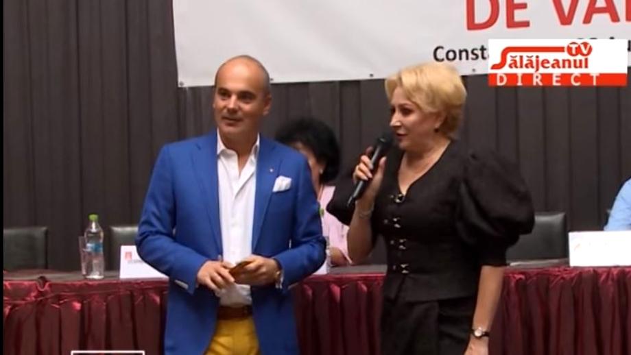Poza cu Rareș Bogdan și Viorica Dăncilă care s-a viralizat pe internet! Ce spunea actualul liberal la întâlnirea din 2016 cu femeile social-democrate. Video