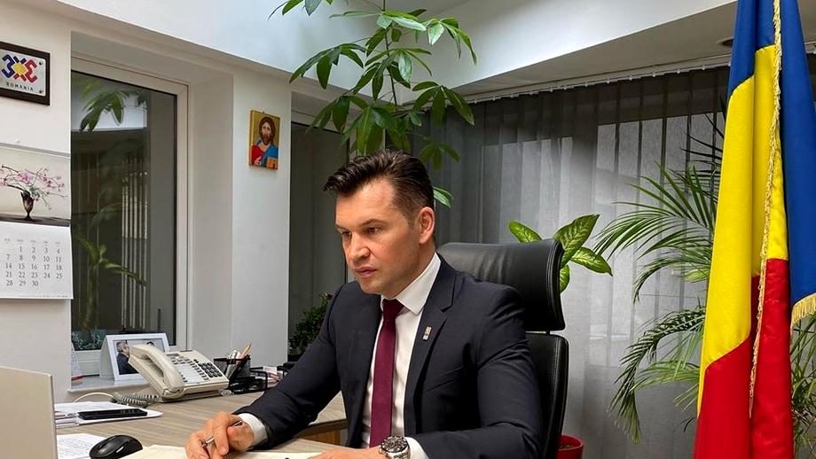 """Interviu Ionuț Stroe, ministrul sportului: """"Am văzut că unele echipe au reluat pregătirea. Se hazardează. Un sportiv infectat îți suspendă toată competiția. Nicio presiune nu ne va influența în luarea unei decizii!"""" Exclusiv"""