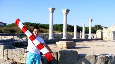 FOTO / Un dinamovist face cunoscut clubul din Ştefan cel Mare în toată lumea!