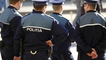 Polițiști falși, arestați la Mehedinți. Ce metodă foloseau pentru a-i lăsa pe oameni fără bani