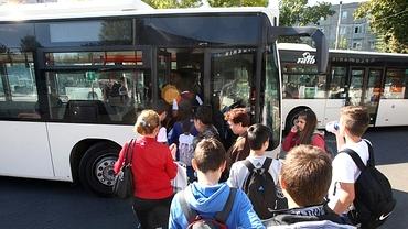 Profesoară din Botoșani, acuzată că și-a bătut elevii în timpul unei excursii. Aceștia făceau gălăgie în hotel