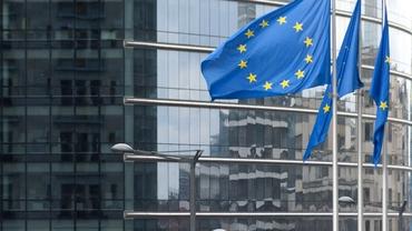 Țările care nu vor respecta normele statului de drept riscă să piardă banii promiși de UE. Polonia și Ungaria, direct vizate