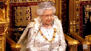 Regina Elisabeta a II-a împlinește 94 de ani. Cu ce echipă ține cel mai longeviv monarh în viață, suporterii cui sunt și ceilalți membri ai familiei regale britanice
