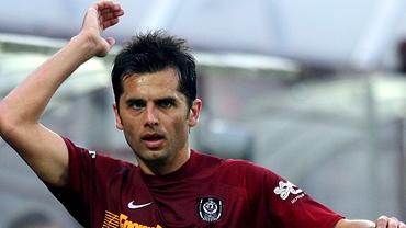 Dică a debutat la CFR, în 2010, cu centrare de gol contra Stelei