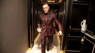 Conor McGregor e plin de bani, dar nu cheltuie niciun euro pe haine și mașini. Cine plătește în locul luptătorului!