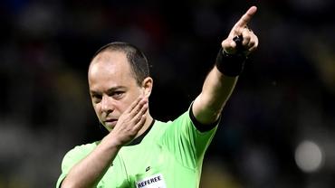 """Vasile Avram, bătut la un meci arbitrat de Marius Avram: """"I-au dat un pumn în cap"""""""