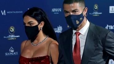 Georgina Rodriguez a purtat prima mască textilă care distruge Covid-19. Cât costă accesoriul