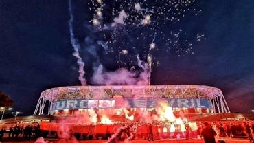Peste 1000 de suporteri ai Stelei au sărbătorit la stadionul Ghencea! Show pirotehnic impresionant de 7 mai. Video