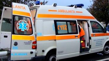 Ambulanţe la o şcoală din Braşov: 20 de copii se simt rău, acuzând dureri abdominale, vărsături