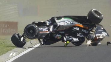 VIDEO / Accident TERIBIL în Formula 1! Sergio Perez s-a răsturnat cu monopostul. Sesiunea a fost ANULATĂ