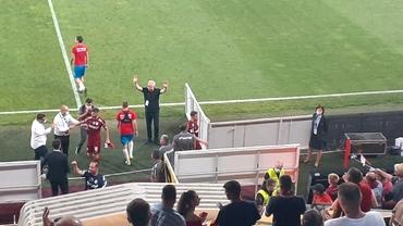 Marius Șumudică, leul din cușca CFR-ului, se bucură la goluri doar cu mâna la inima tricoului vișiniu!