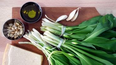 Rețete simple cu leurdă. Sănătoase, ușor de gătit și, mai ales, de... mâncat! Video