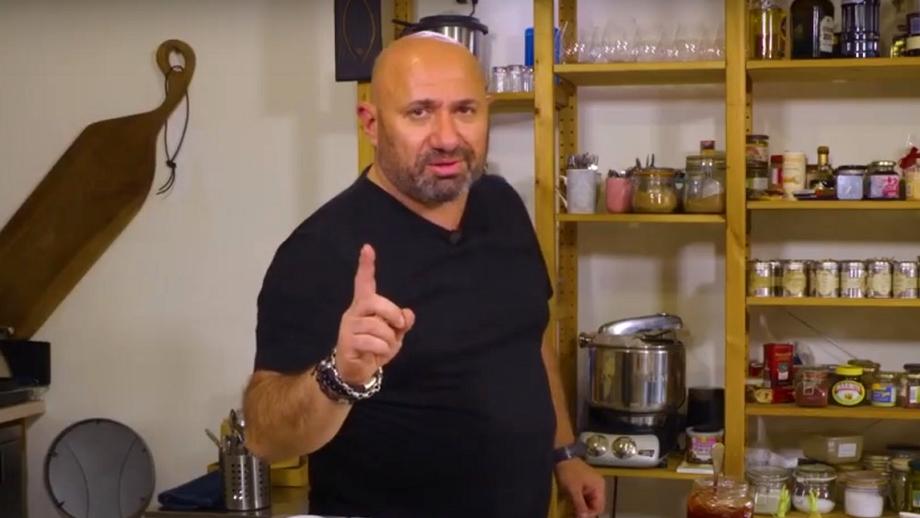 Idee de mic dejun de la chef Cătălin Scărlătescu. Rețeta cu care să-ți începi diminețile