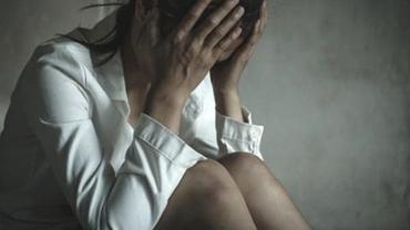 Fată de 18 ani din Câmpina, abuzată de mai mulți bărbați. Fusese chemată la o petrecere de către două adolescente