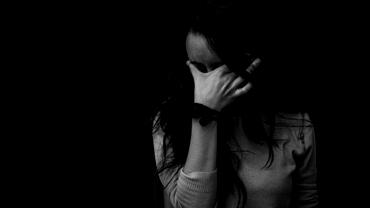 Caz revoltător în Argeș. O fată a fost răpită de un cioban și violată în pădure