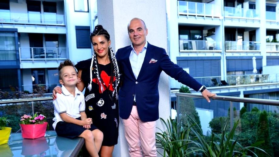 Rareş Bogdan, tată pentru a doua oară! Florina a născut o fetiţă