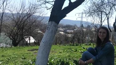 Fiica preotului din Fierbinţi merge 100 de km zilnic pentru a-şi trata pacienţii: