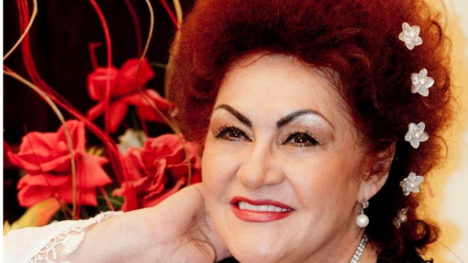 Priveghi cu tort și lăutari la cuscrul Elenei Merișoreanu, Nicu Păun. Celebrul saxofonist a murit în urmă cu o lună în SUA, iar familia a plătit 60.000 de euro ca să-l aducă acasă