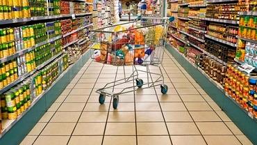 Unde poţi face azi cumpărături şi unde este închis