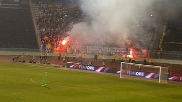 Fanii români s-au dat în spectacol la Belgrad. Torțe și scandări împotriva maghiarilor